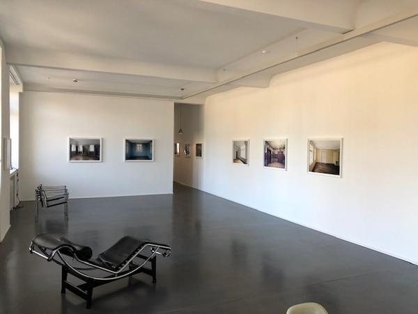 ABWESENHEITSNOTIZEN - Fotografien von Anja Bohnhof und Karen Weinert