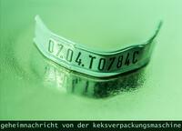 Geheimnachricht von der Keksverpackungsmaschine -  Ausstellungswechsel im S13
